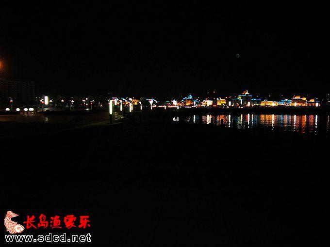 楼下明珠海水浴场夜景